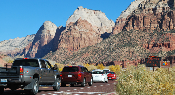 Zion National Park shuttle service running again due to traffic problems