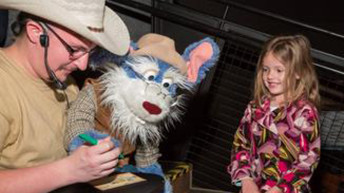Las Vegas Family Puppet Theater performs at Bumbleberry Theater